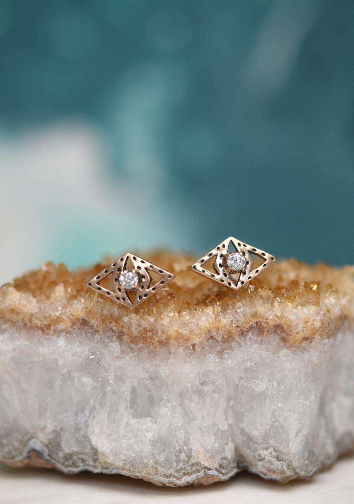 Saint K 10k Gold Stud Diamond Earrings